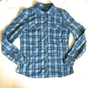 REI blue plaid snap front stretch hiking shirt/ S